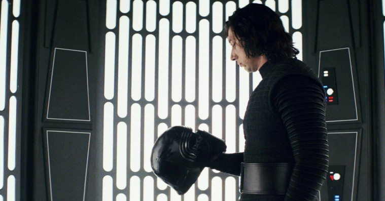 De internationale anmeldere kalder 'The Last Jedi' for den bedste Star Wars-film siden 'The Empire Strikes Back'