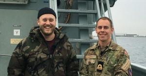 Podcast-vært Jasper Ritz drager i Forsvaret – finder ud af at det handler om mere end smørrebrød
