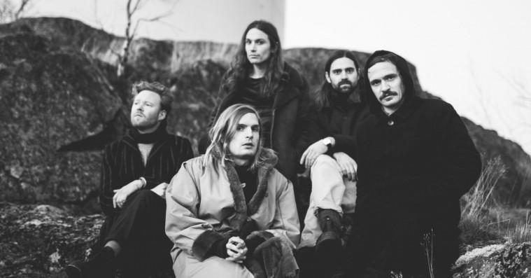 Peter Kures tekster stråler på De Underjordiskes forsigtige album nummer to
