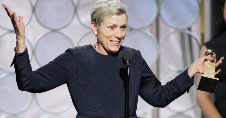 »Kvinderne er ikke kommet for madens skyld!« – Golden Globes-vinder Frances McDormand løfter stemningen i veloplagt takketale