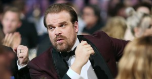 David Harbour er til salg for kage og retweets – men så vil han også gå langt for dig