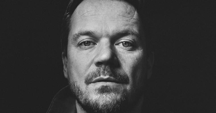 Peter Sommer spiller otte super-intimkoncerter til festivalen Badesøen – vind billetter