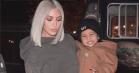 Kim Kardashian gør sit bedste for at sælge den nye Yeezy-kollektion