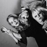 Dream Wifes debutalbum kombinerer punkens energi med glamrockens grooves - Dream Wife