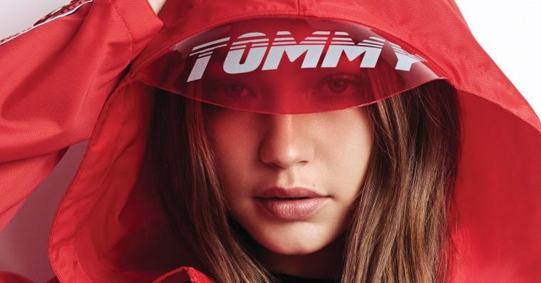 Gigi Hadid slutter Tommy Hilfiger-samarbejde med stærkeste kollektion – går all-in på motorsport