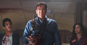 Blodig zombie-slagtning og jokes går hånd i hånd i 'Ash vs. Evil Dead' – se horrorkomedieserien på C More