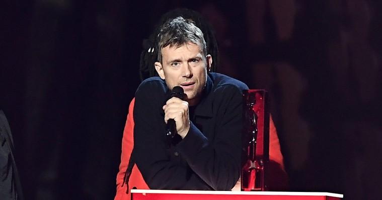 Var Damon Albarn spritstiv, da han holdt tale til Brit Awards?
