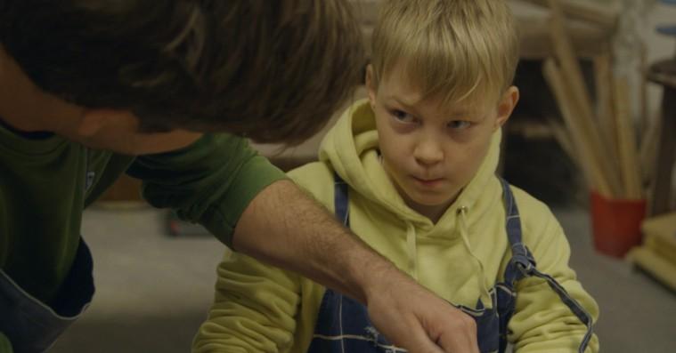 'I fars hænder': Ny dansk dokumentar er selvterapi for åbent kamera