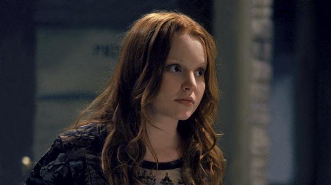 3. Hvorfor er Claire mere end almindelig oprørt, da hendes far dør i 'Six Feet Under'?
