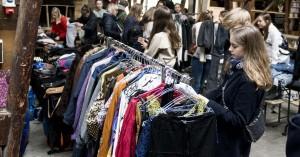 En klimaafgift på tøj betyder ikke nødvendigvis en skævvridning af samfundet – kan være en nødvendig kæp i forbrugshjulet