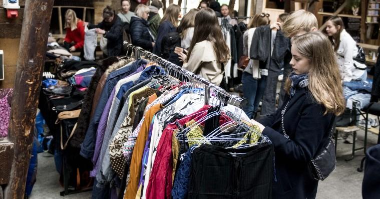 En klimaafgift på tøj betyder ikke nødvendigvis en skævvridning af samfundet