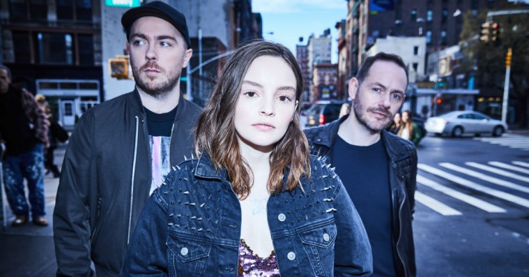 Chvrches er håbløse romantikere på 'Love Is Dead'