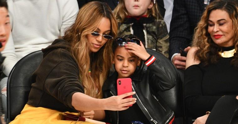 Blue Ivy byder 19.000 dollars på et maleri – Jay-Z prøver at stoppe det
