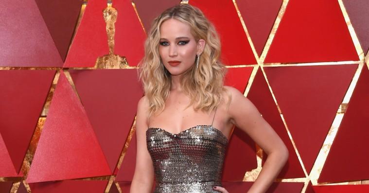 Jennifer Lawrence afviser at have haft sex med Harvey Weinstein ovenpå nye rygter