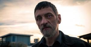 'Too Old to Die Young': Nicolas Winding Refns 13 timer lange mastodontværk fiser ud i et 'nå'