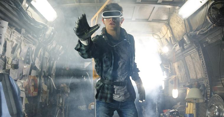 'Ready Player One': Spielberg lefler for nørderne i stærkt medrivende filmatisering