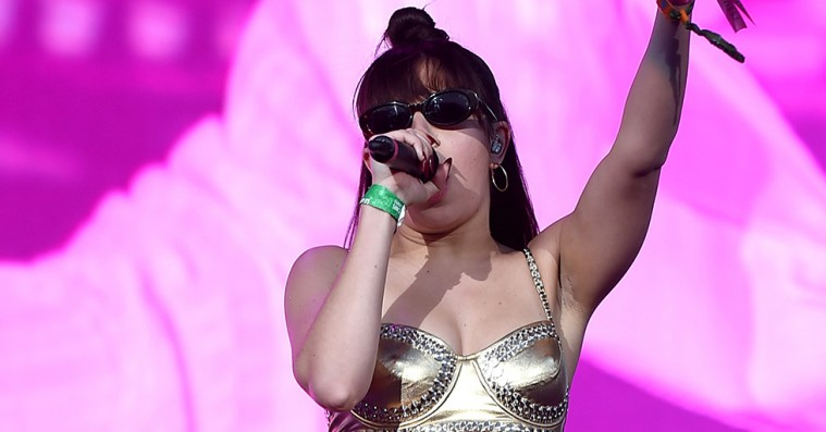 Stiltips fra stjerners Coachella-looks – Rihanna, Mø og Charli XCX viser vejen