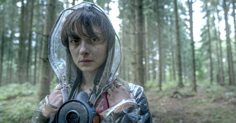 'The Rain'-bagmænd optrevler nogle af første sæsons mysterier i nyt interview