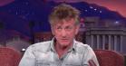 Sean Penn svarer på kritik af sin nye roman hos Conan: »Jeg er 57, og min pool er opvarmet. I kan sige, hvad I vil«