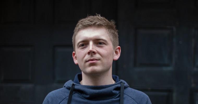 Lille Høg er arkitekten bag en ny dansk hiphoplyd: »Danmark er et musikalsk u-land«
