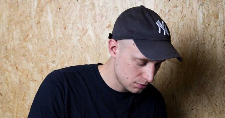 Pede B afslører tracklisten til 'Over askeskyen 3' – DJ Noize har produceret det hele