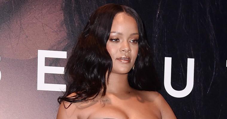 Rihanna viser første billede af sin kommende undertøjskollektion