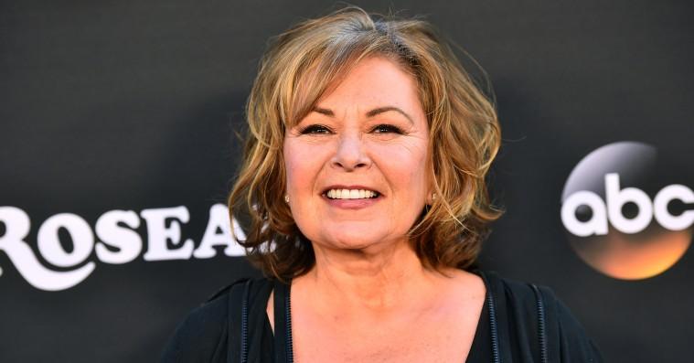 ABC trækker stikket på 'Roseanne' og fyrer Roseanne Barr efter racistiske Twitter-kommentarer