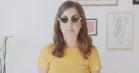Julie Rudbæk styrer dig uden om 30-års-krisen – takket være Soundcloud-rap og Mokai-bøvser
