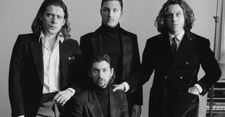 Arctic Monkeys' sjette album er et Martini-læskende, lårkort nostalgi-ridt