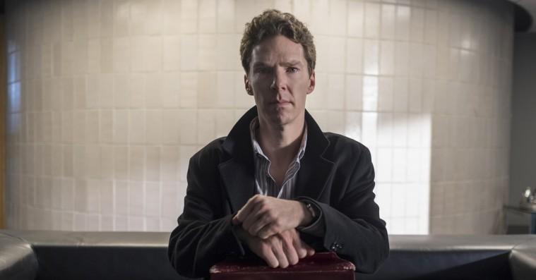 Det skal du streame i maj: Netflix' danske sci-fi-satsning, J.K. Rowling-krimiserie og Cumberbatch på stoffer