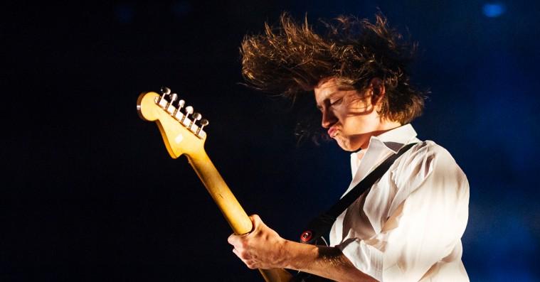 Arctic Monkeys i Royal Arena: Ordknap Alex Turner i balladehumør truede energiniveauet
