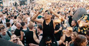 Distortion afslører 24 nye navne til to af de største gadefester – psytrance på Rådhuspladsen