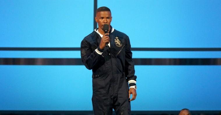Jamie Foxx holder tale om XXXTentacion til BET Awards: »Vi er for vant til, at unge mennesker bliver dræbt«