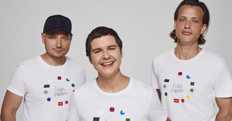Lukas Graham designer t-shirt til velgørende formål – sætter fokus på mangfoldighed