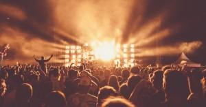 Orker du ikke nætterne i telt? Tag nattoget hjem fra Roskilde Festival - find afgangstider her