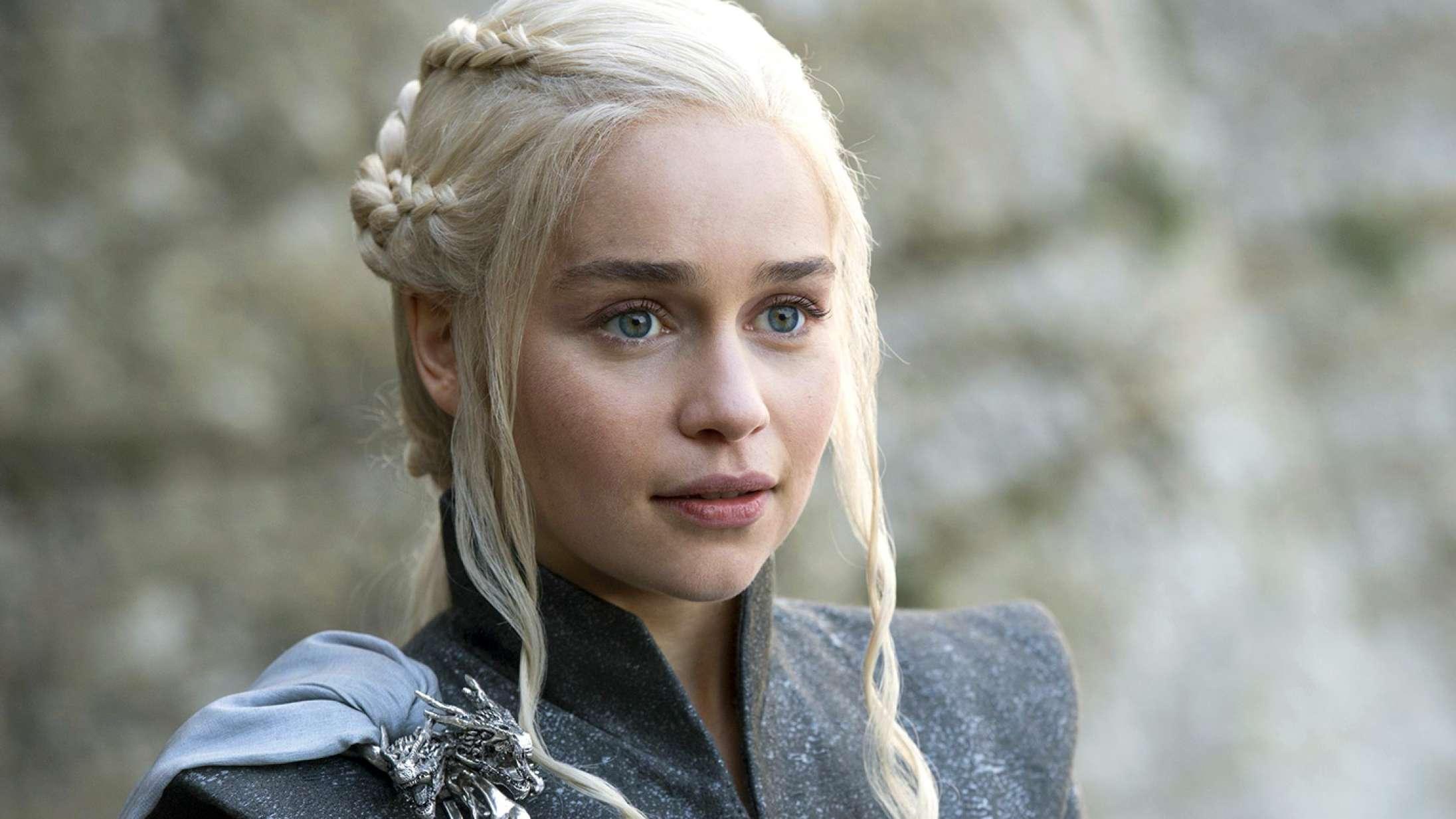 Emilia Clarke siger farvel til 'Game of Thrones': »Det har været en rejse«