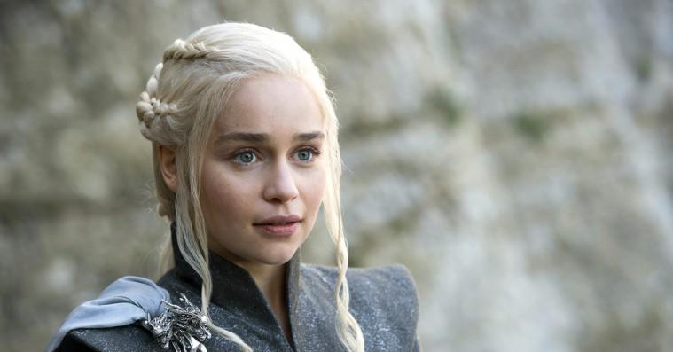 Emilia Clarke taler ud om nøgenscener i 'Game of Thrones': »Der var fucking meget nøgenhed«