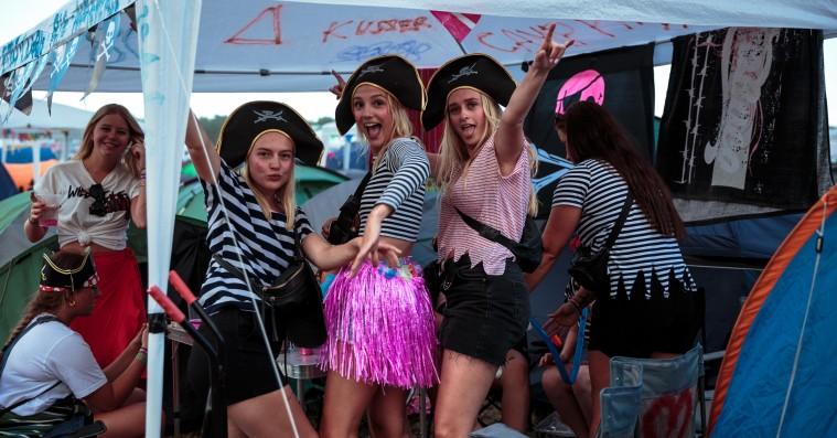 10 Instagram-billeder, der viser de bedste og værste sider af lejrlivet på Roskilde Festival