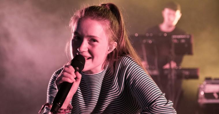 Sigrids popfest på Roskilde Festival overbeviste uden at overraske
