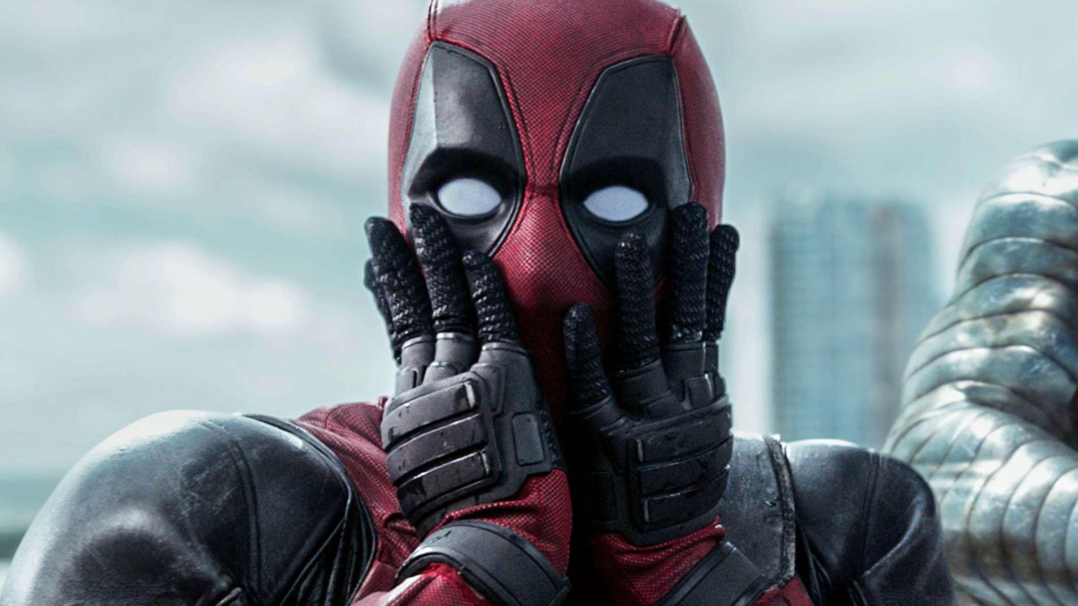 Politimand beordrer Ryan Reynolds til at give Hugh Jackman en rolle i 'Deadpool 3'