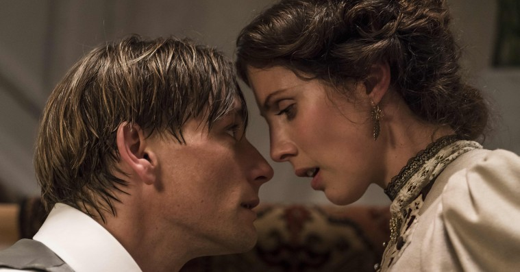 'Lykke-Per': Bille Augusts klassikerfilmatisering er flot og velspillet