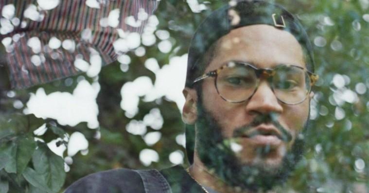 Kaytranada leger klippe-klistre med Sade og A Tribe Called Quest