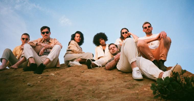 Jungles soulede breakup-sange danner en engagerende rejse gennem 'For Ever'