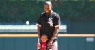 Se Kanye og Saint West kaste det første pitch til baseball-kamp i Chicago