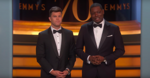 Emmy-uddelingens åbningsmonolog kom hele vejen rundt – men uden at provokere