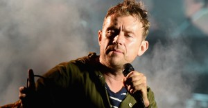 Se Gorillaz' cover af Blurs klassiske 'Song 2' – med Graham Coxon på guitar