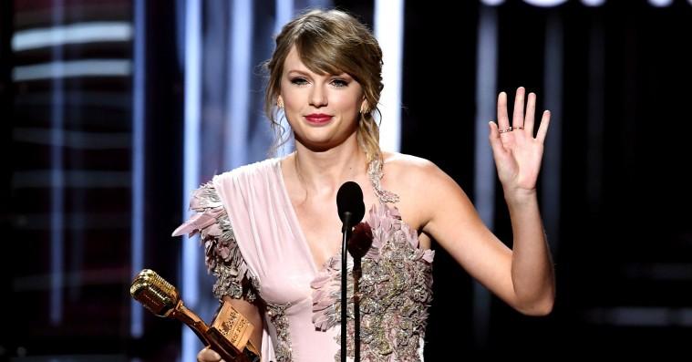 Taylor Swift melder sig omsider på den politiske bane: Stemmer demokratisk ved midtvejsvalget