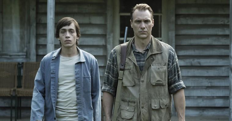 'Good Favour': Dansk flok holder kun akkurat livløs sektfilm oven vande