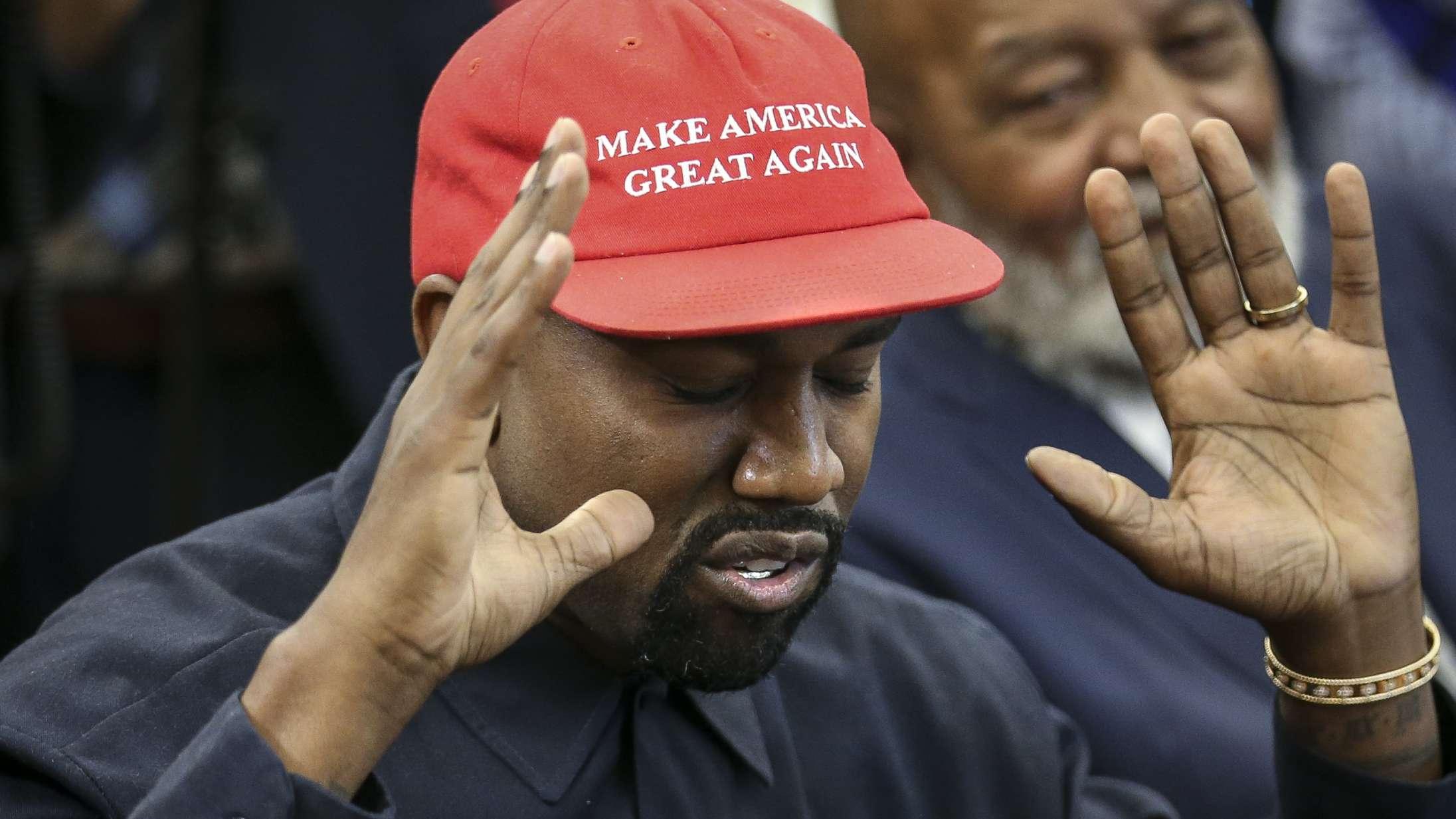 Kanye West pisser (bogstavelig talt!) på sin Grammy-pris i ny Twitter-tirade
