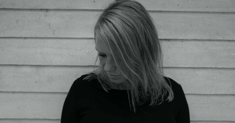 Elektroniske elementer gør Roxy Jules' melankolske rockmusik endnu mere nærværende